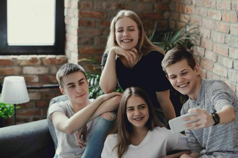 Joves i adolescents