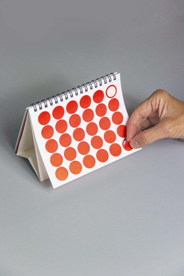 Full d'adhesius del Calendari Vinçon